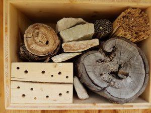 Insektenhotel, Holz